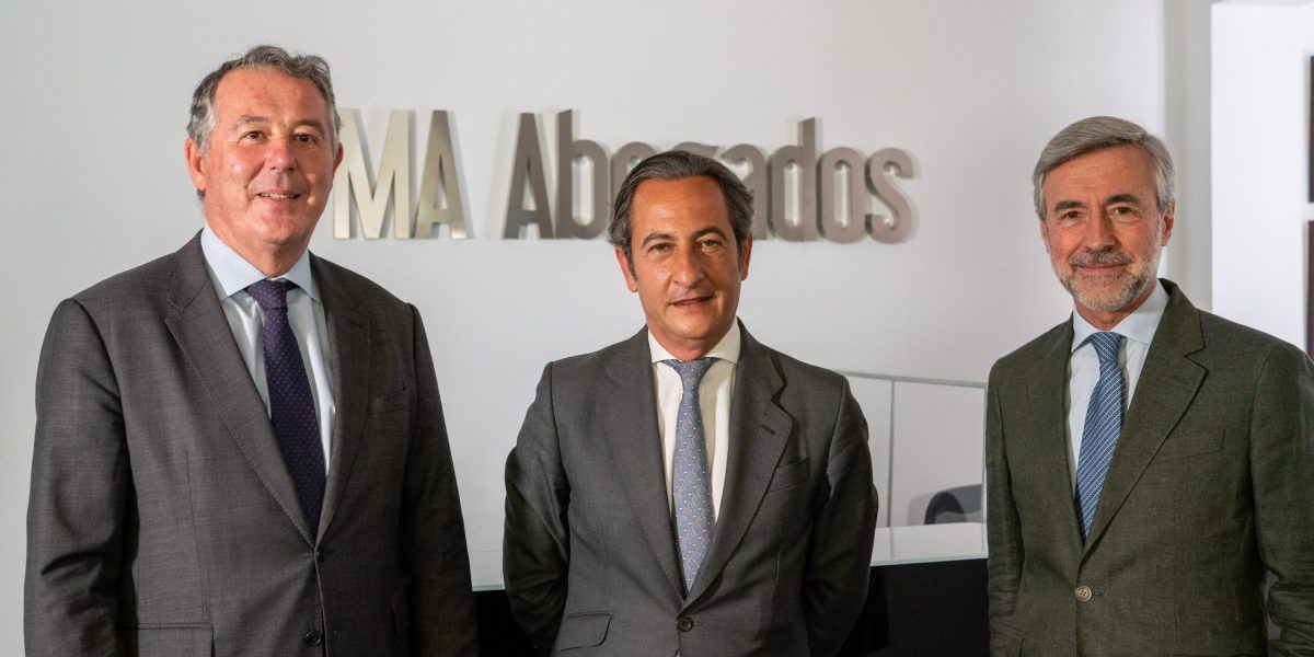 MICHAVILA-ACEBES ABOGADOS FICHA A JOSÉ LUIS MESEGUER PARA REFORZAR EL ÁREA DE CORPORATE